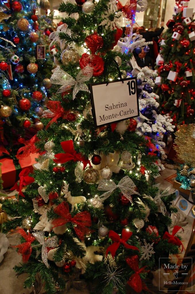 13-й Аукцион рождественских елок собрал более 73 000 евро