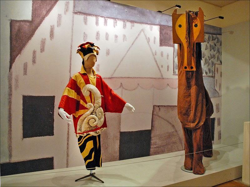 Костюмы Балета Монте-Карло на выставке в Валлорисе