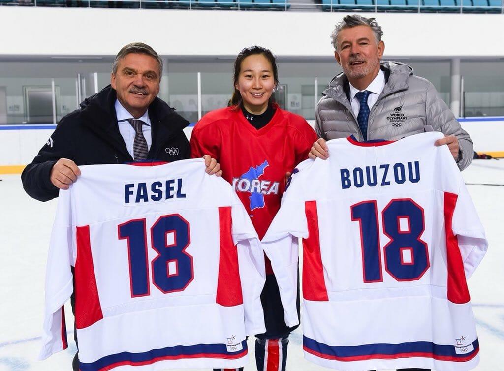 Хоккеистки Северной и Южной Кореи на фотографии Peace and Sport