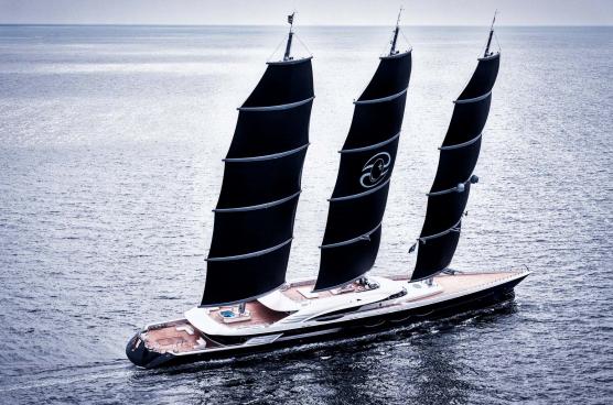 Самая дорогая яхта на шоу в Палм-Бич и другие новости