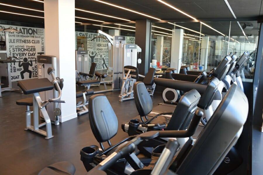 Hercule Fitness Club : новая эмблема и тарифы тренажерного зала