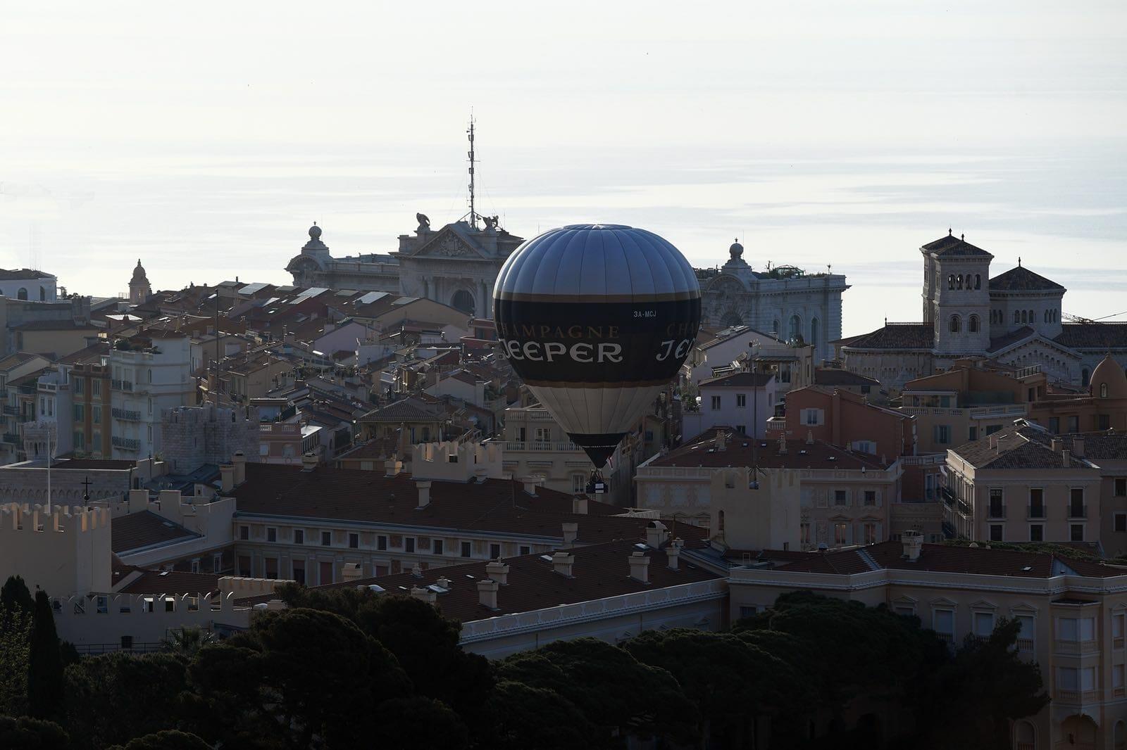 Запуск первого экологического воздушного шара в Монако