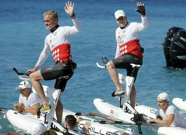 Соревнования водных велосипедов Riviera