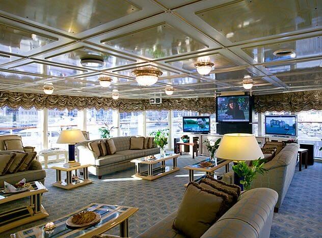 98-метровая яхта Aviva завоевала особую награду и другие новости