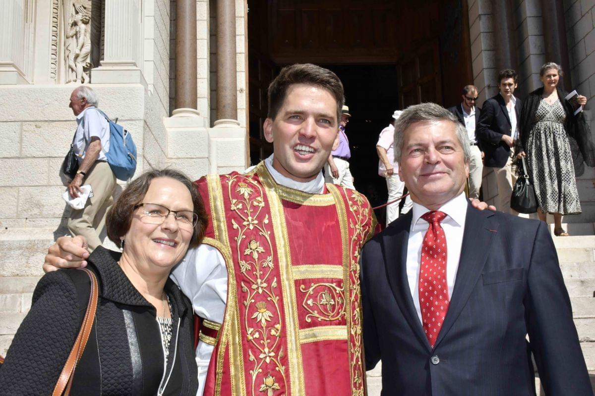 В Монако прошло посвящение в сан нового священника