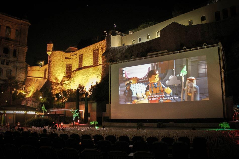 Кинотеатр по открытым небом Монако: красота и романтика