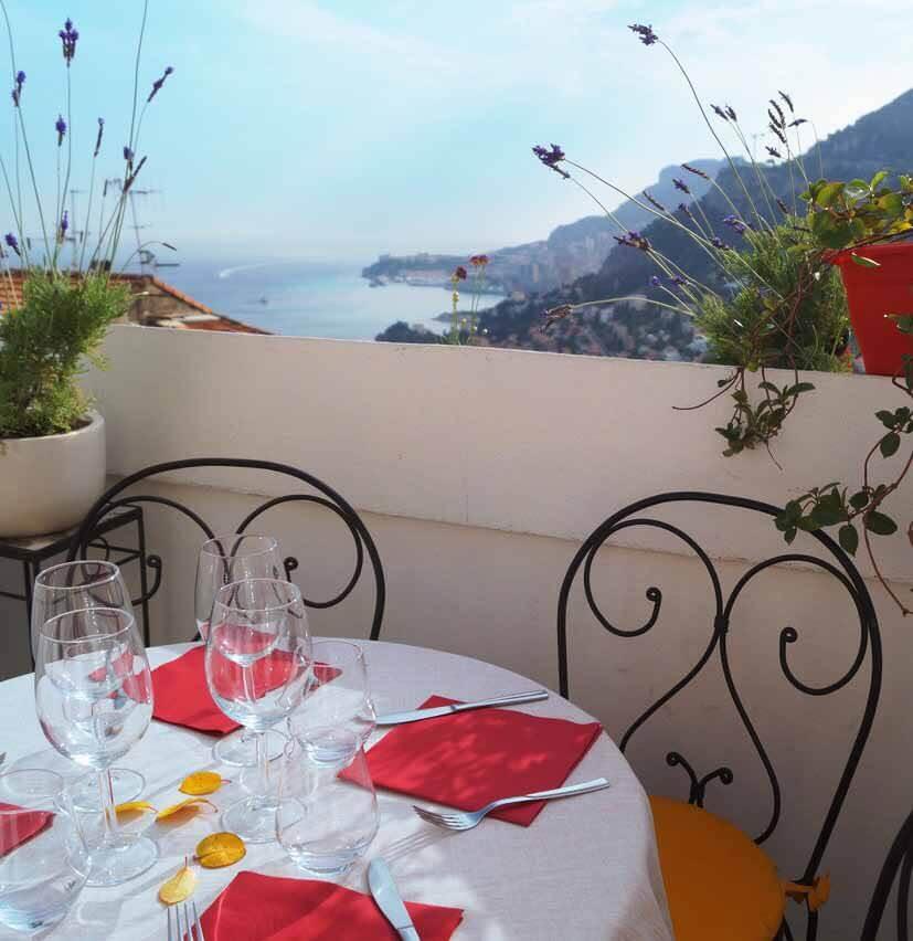 Рестораны с террасой и панорамными видами рядом с Монако