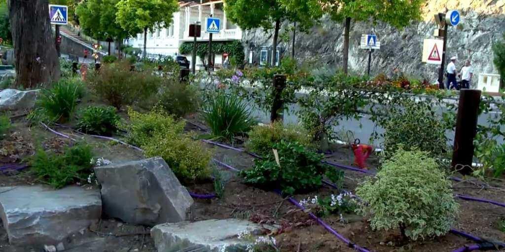Работы по озеленению Оружейной площади Монако