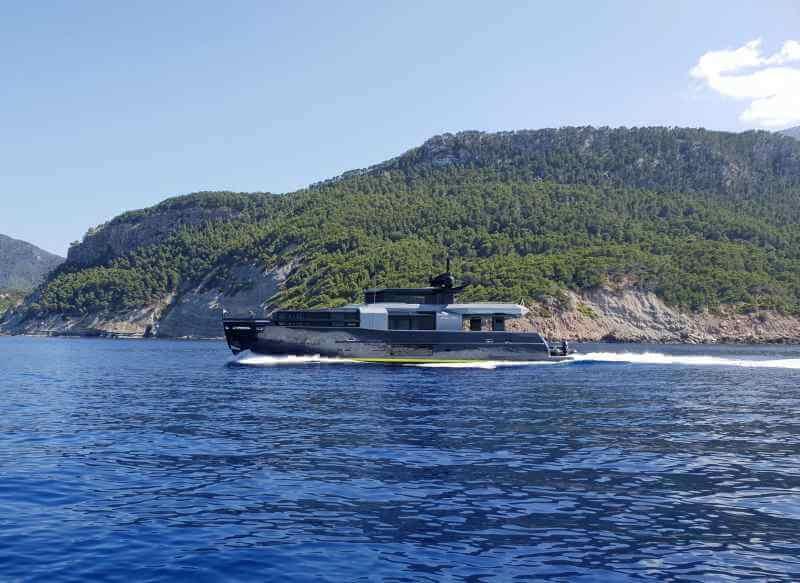 Смерть одного из членов экипажа судна Mayan QueenIV и другие новости
