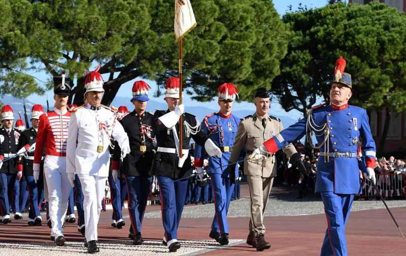 Полковник Люк Франан (Luc Fringant) уходит в отставку
