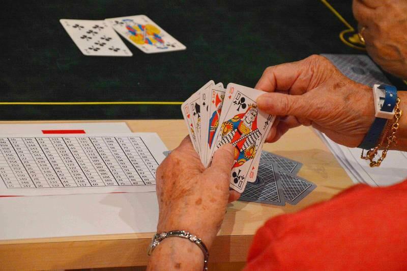 Игры для пожилых собрали 70 участников