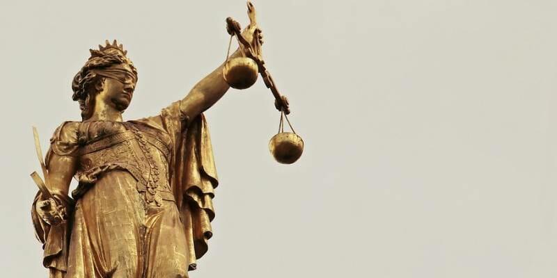 Ив Бувье выступает против монегасского правосудия