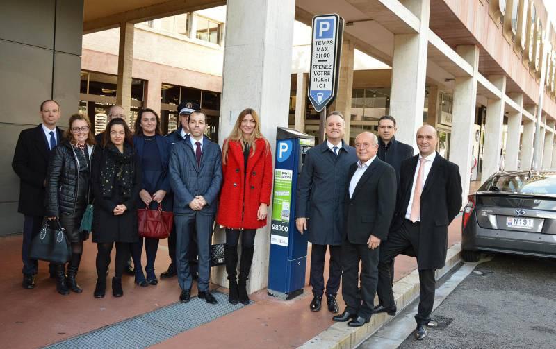 В Монако введен способ оплаты парковки онлайн