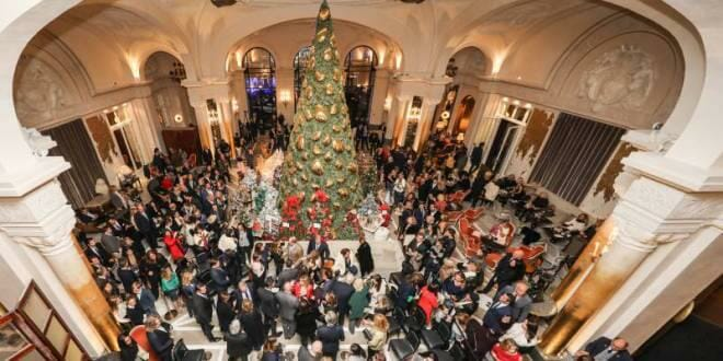 Аукцион рождественских ёлок в духе единства
