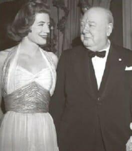 Уинстон Черчилль с дочерью Сарой