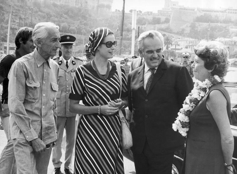 Княжеская чета и Жак-Ив Кусто с супругой Симоной