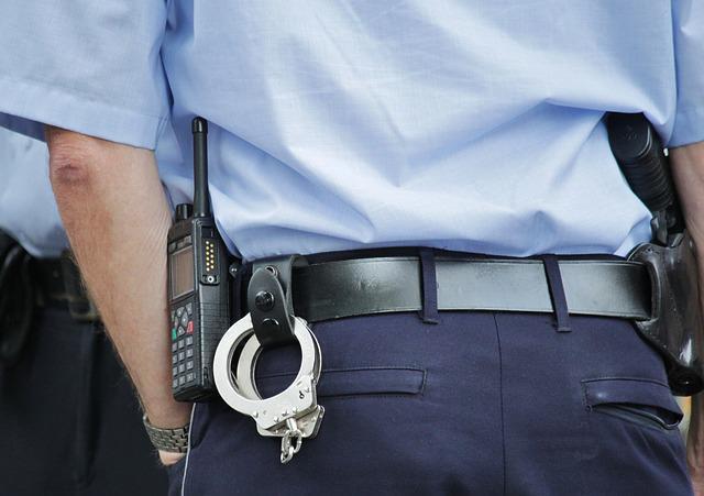 Закон и порядок: полицейский обратился в суд за защитой