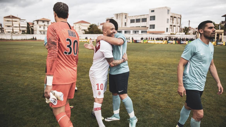 ФК «Монако» побеждает легендарных игроков греческой национальной сборной