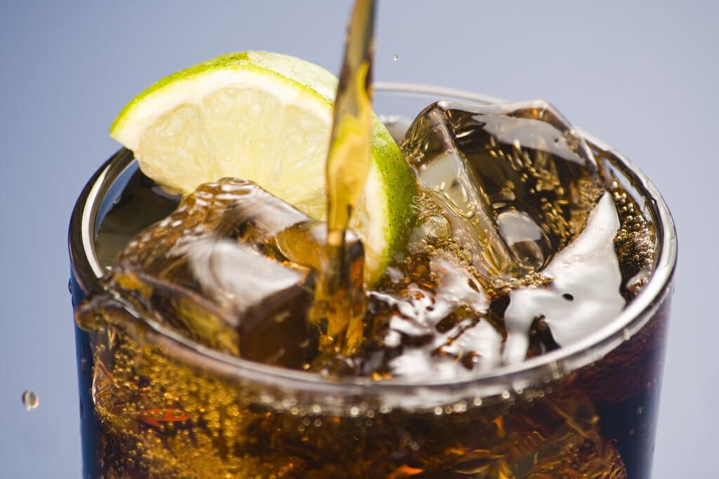 5 продуктов, от которых стоит отказаться летом, — и 5 очень полезных