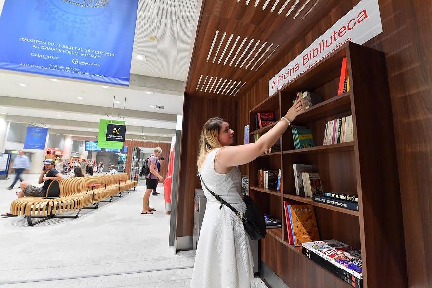 """Новая """"солидарная"""" библиотека на железнодорожной станции Монако"""