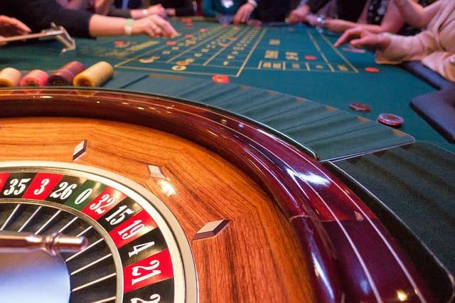Как в Монако совмещают дискотеку и азартные игры?