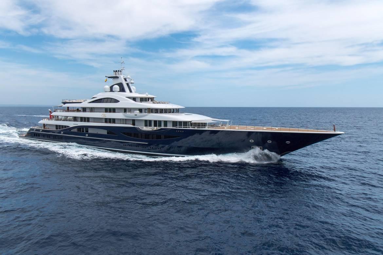 Суперъяхта Barbara замечена в Монако и другие новости