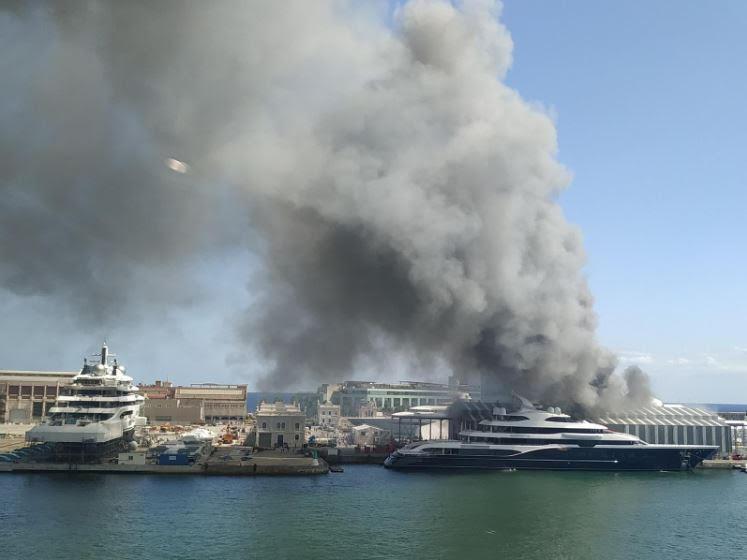 Пожар на верфи MB92 в Барселоне и другие новости