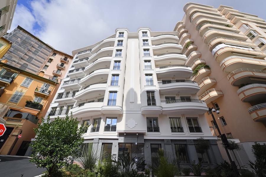 Министр экономики посетил новые апартаменты в Jardins d'Apolline и Soleil du Midi