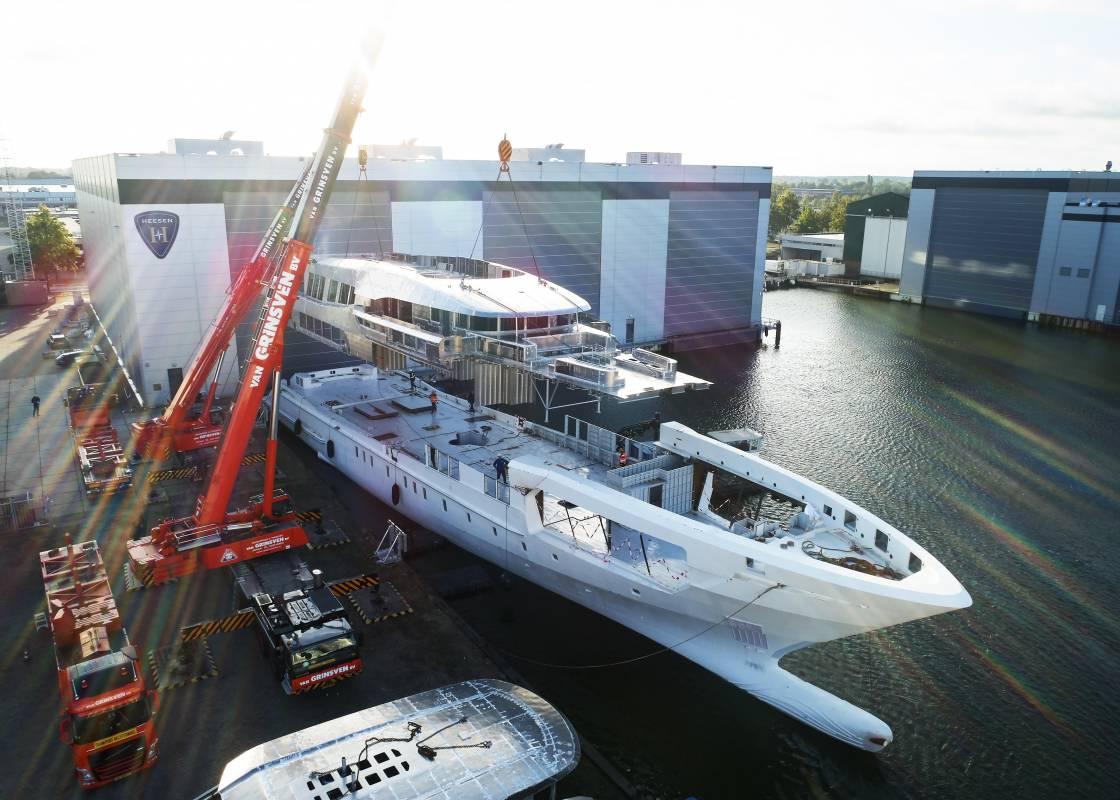Концепция суперъяхты ALFA 5O от Rossinavi и другие новости