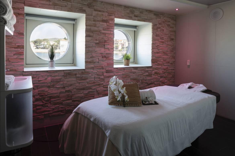 Отель Ile Rousse в Бандоле: потрясающий панорамный вид и эксклюзивный уход за телом