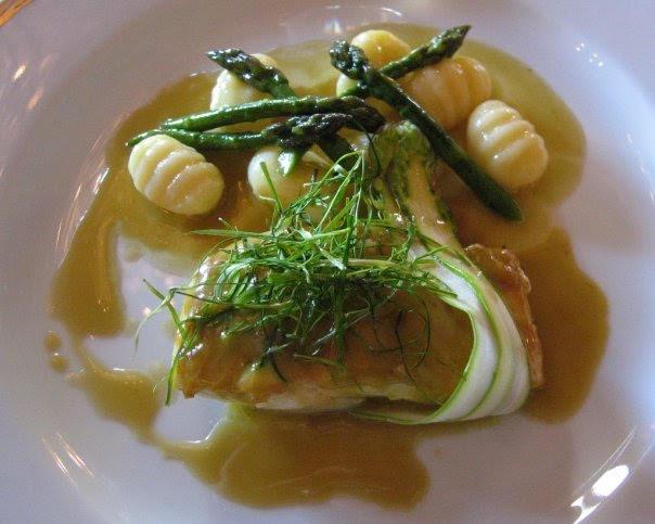 """Ресторан Louis XV стал первым, получившим награду """"Шедевр года"""" от Gault Millau"""