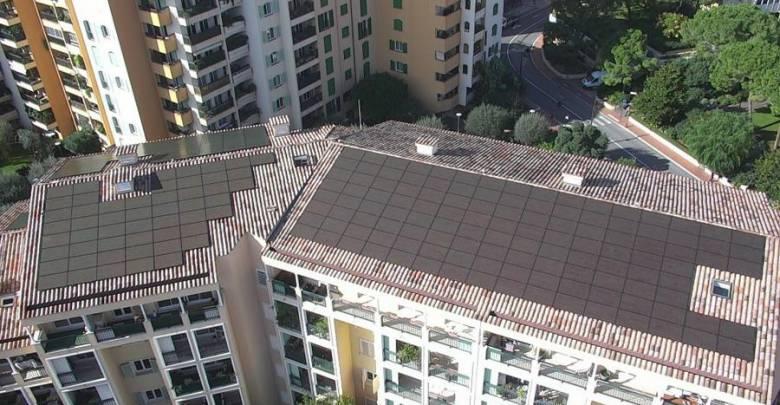Солнечные панели установлены на крыше пожарной части Фонвьей
