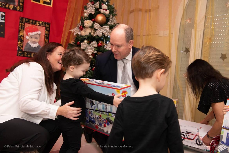 Дела княжеские: традиционное вручение подарков княжеской парой накануне Рождества
