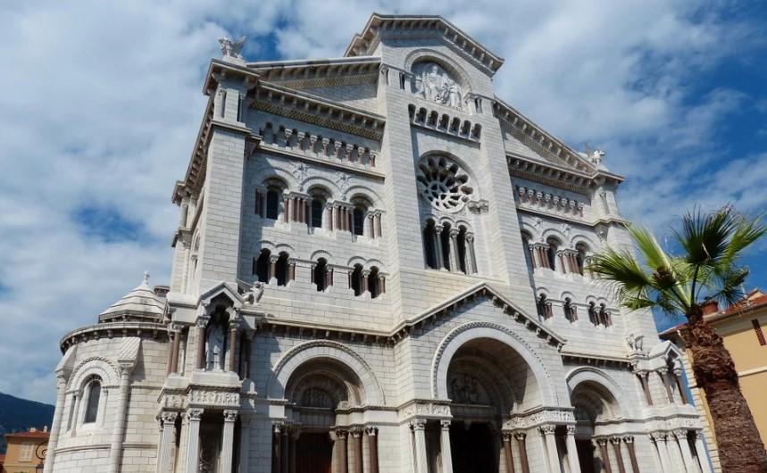 Архиепископ Монако сообщил, когда покинет свой пост