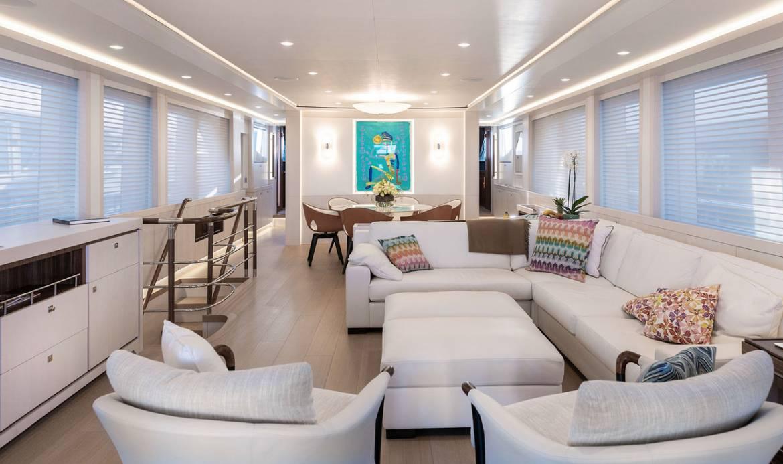 Новое поколение сверхвместимых моторных яхт от Elada Yachts и другие новости