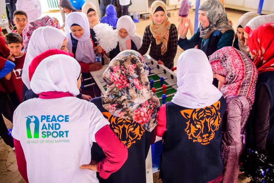 Станьте частью движения #WhiteCard в Международный день спорта на благо развития и мира