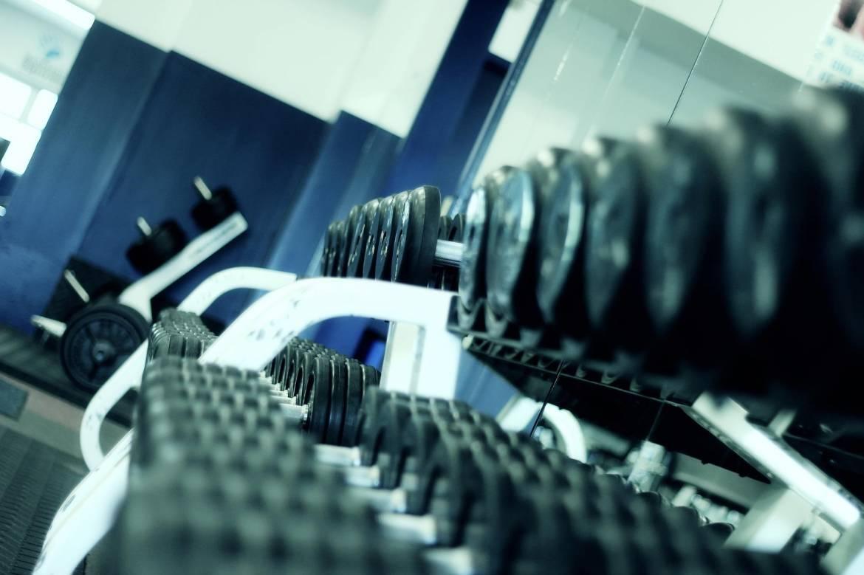 Спортзалам разрешат постепенно возобновлять свою деятельность