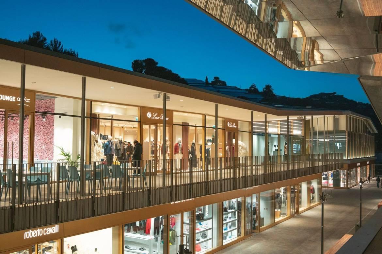 Где найти лучшие скидки? The Mall Sanremo: эксклюзивный шоппинг после карантина