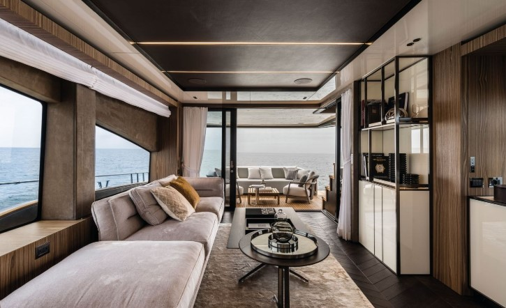 Cranchi Settantotto – новаторский флагман Cranchi Yachts и другие новости