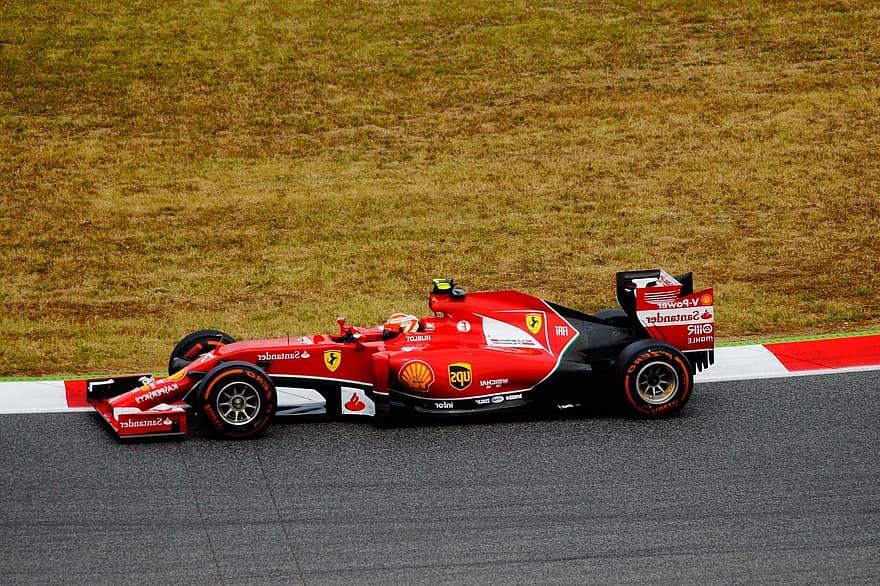 Исторические рекорды и проблемы с двигателями на Гран-при Барселоны