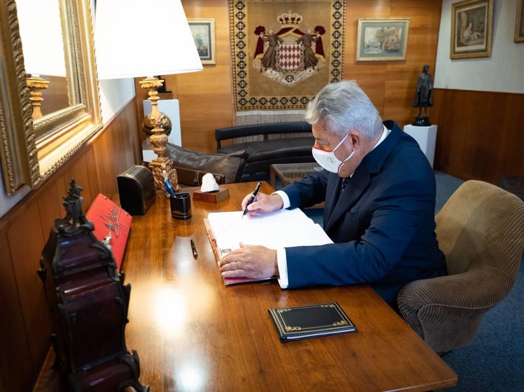 Новый государственный министр Монако приносит присягу