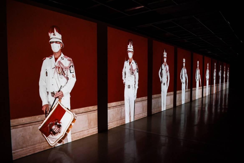 Выставка портретов, снятых в Монако во время карантина Шарлем Фрегером