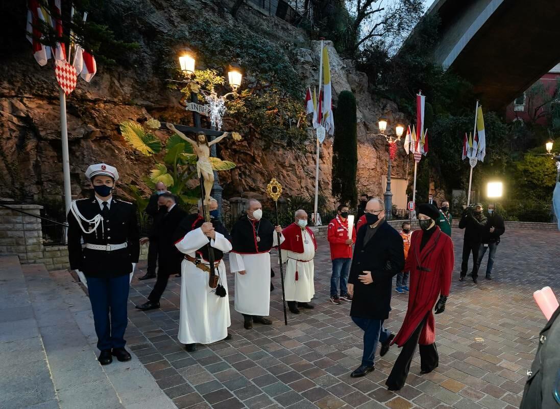 Монегаски воздают почести Святой Девоте как символу Надежды