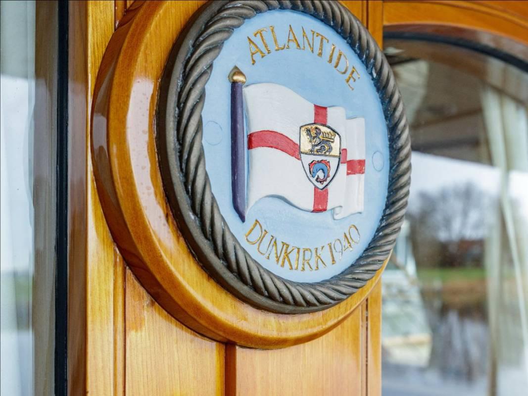 Яхта Atlantide прибывает на верфь Huisfit и другие яхтенные новости