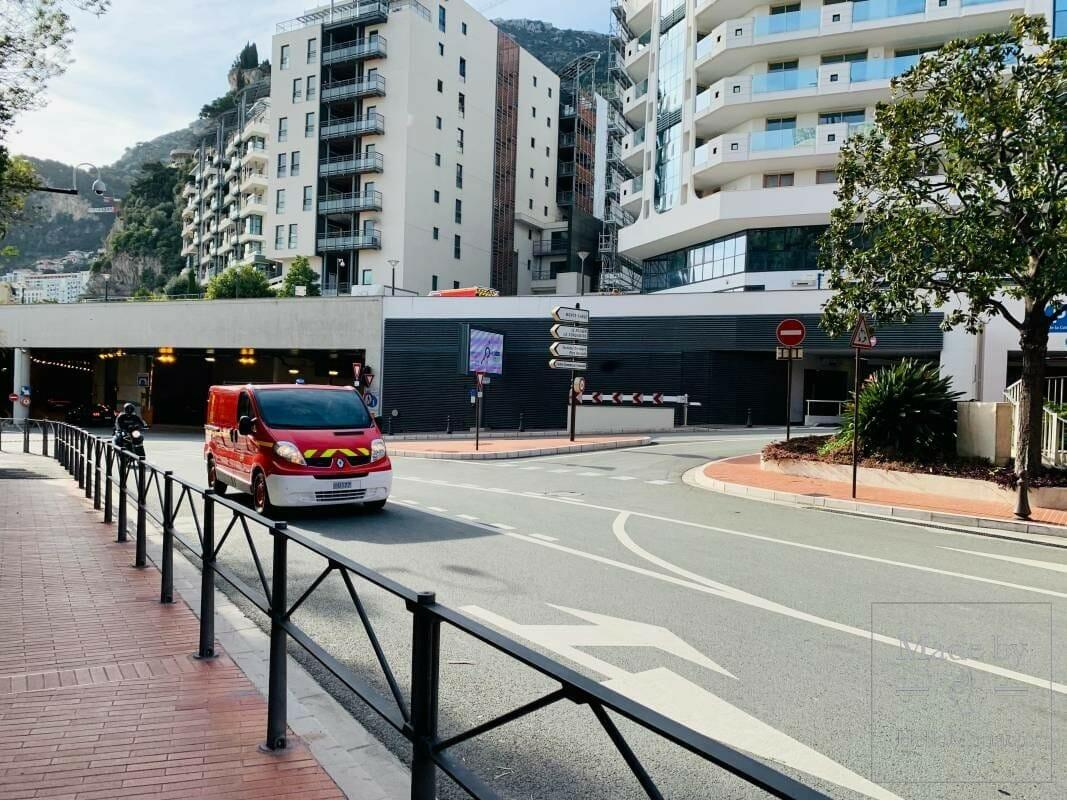 Монако ведёт борьбу против монополизации парковочных мест
