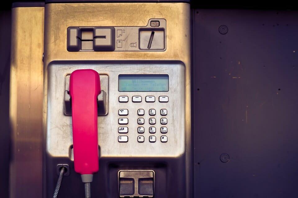 Телефонные будки в Монако: вымирающий вид связи