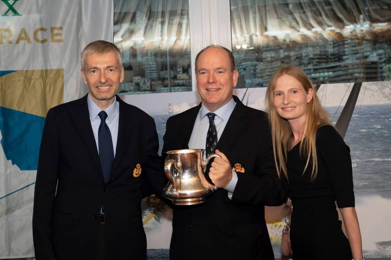 Дмитрий Рыболовлев передал князю Монако трофей Rolex Fastnet