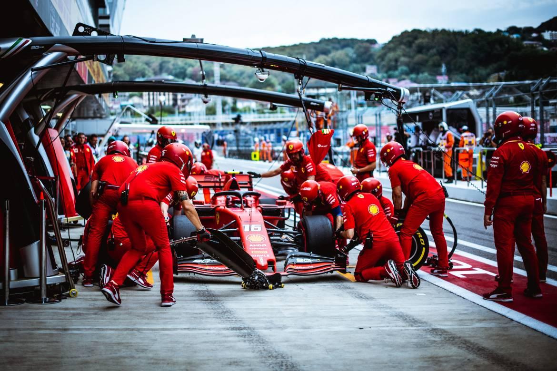 Леклер приносит Ferrari необходимые очки в Гран-при Нидерландов